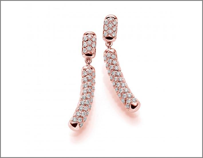 Orecchini flessibili in oro rosa e diamanti