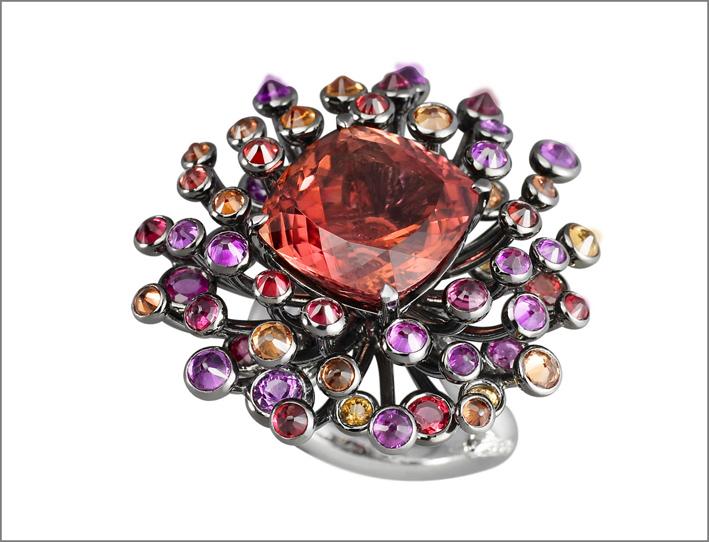 Anello Chardon, con zaffiri, tomalina rosa, diamanti