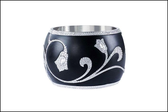 Bracelet. Diamonds inlaid in fossilized wood
