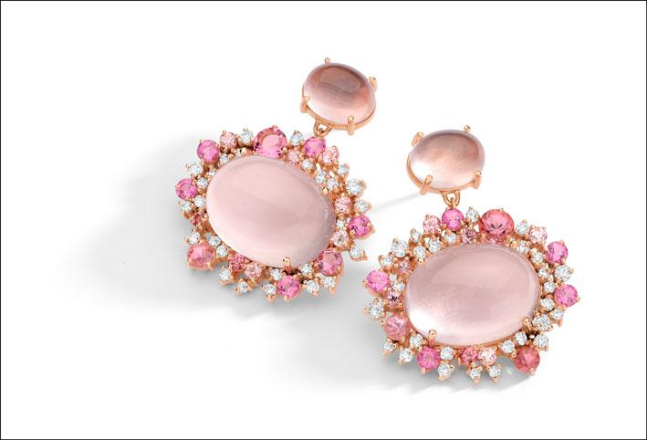 Orecchini in oro 18k rosa mano incisi con il diamante, quarzo rosa e tormalina rosa brasiliano
