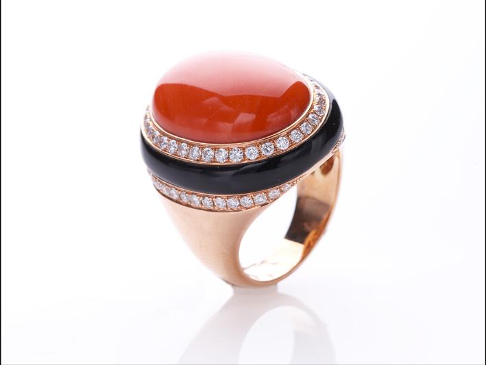 Collezione Aucella Luxury, in oro 18kt con corallo rosso, rosa e bianco naturale, diamanti e pietre preziose