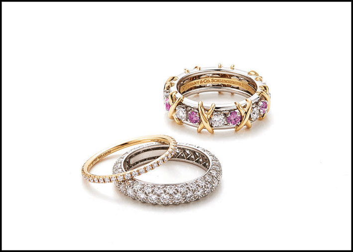 Anello Sixteen Stone in platino, oro giallo con diamanti e zaffiri rosa di Jean Schlumberger, fedina Tiffany Soleste in oro giallo con diamanti, anello Tiffany Etoile in platino con diamanti