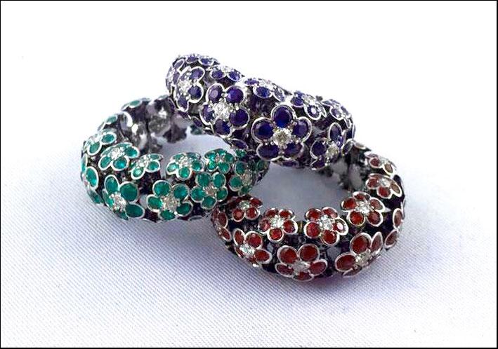 Anelli Margherita, multimisura adattabili, in oro bianco 18 carati, diamanti, smeraldi, rubini e zaffiri naturali