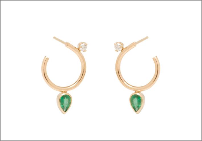 Zoë Chicco per Gemfields, orecchini a cerchio in oro, smeraldi e diamanti