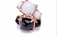 Collezione Minuosa. Anelli in oro rosa 9 o 18 carati, diamanti, agata bianca, onice nero