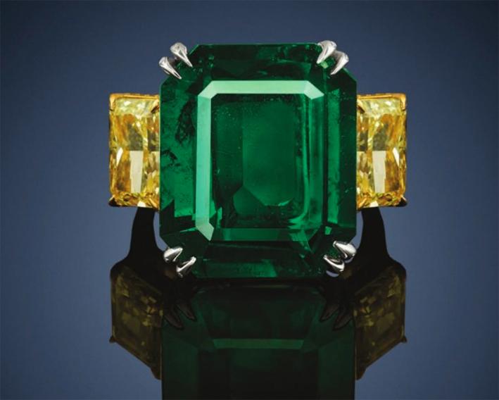 Anello con smeraldo e diamanti yellow