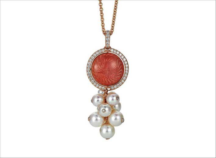 Pendente in oro rosa 18 carati, smalto guilloche, perle