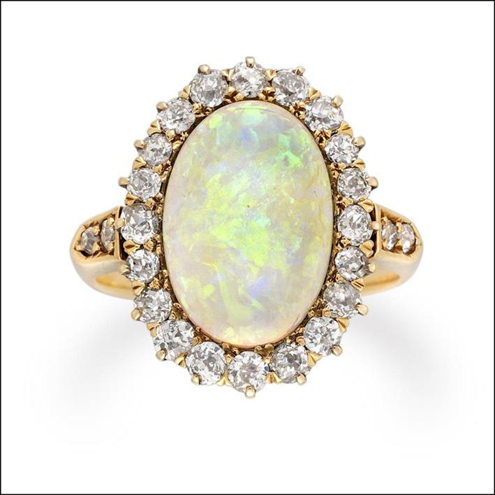 Anello con opale del periodo vittoriano. Prezzo: 14.750 sterline