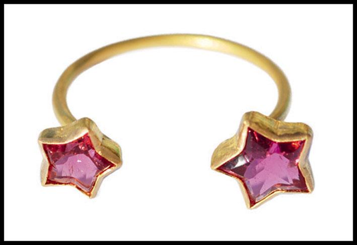 Anello Cassiopea, oro e tormalina rosa. Prezzo: 1350 dollari