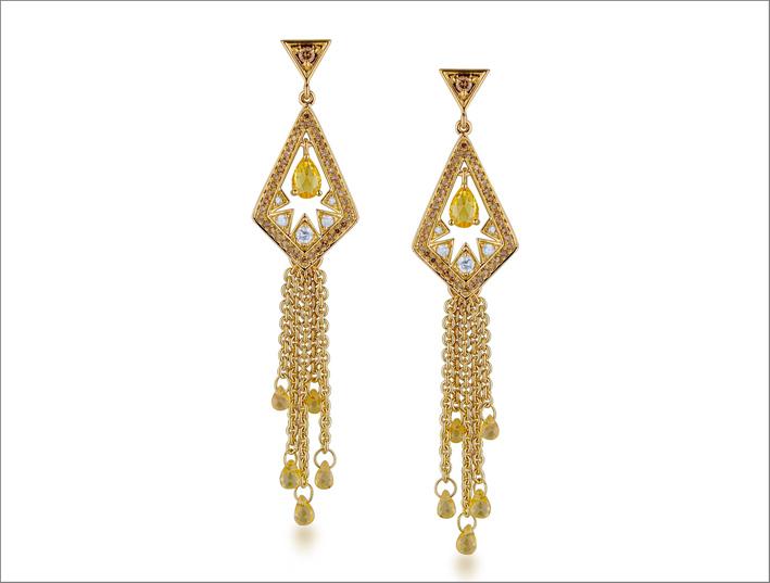 Orecchini della collezione Bohemia con zaffiri gialli e diamanti