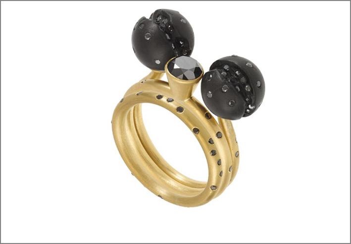 Jacqueline Cullen collezione Atomic, con diamanti neri