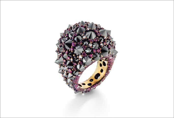 Titanio, diamanti bianchi e neri, rubini