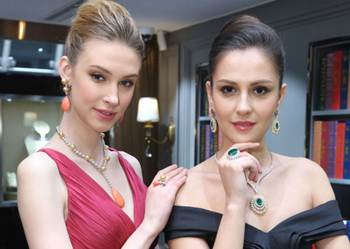 Modelle con i gioielli Picchiotti