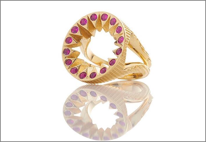 Anello Taxila, in oro e zaffiri