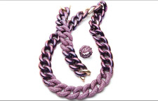 Suite in titanio colorato e zaffiri: collana, bracciale e anello