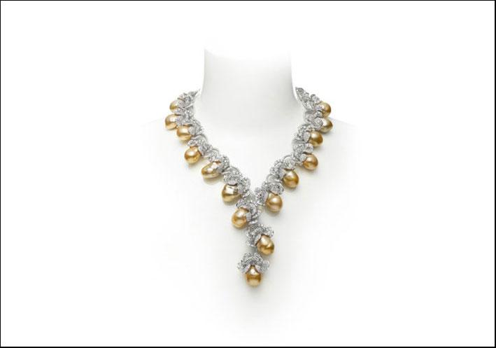 Collana di perle dei Mari del Sud, oro, diamanti