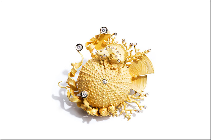 Riccio di mare, spilla in oro e diamanti