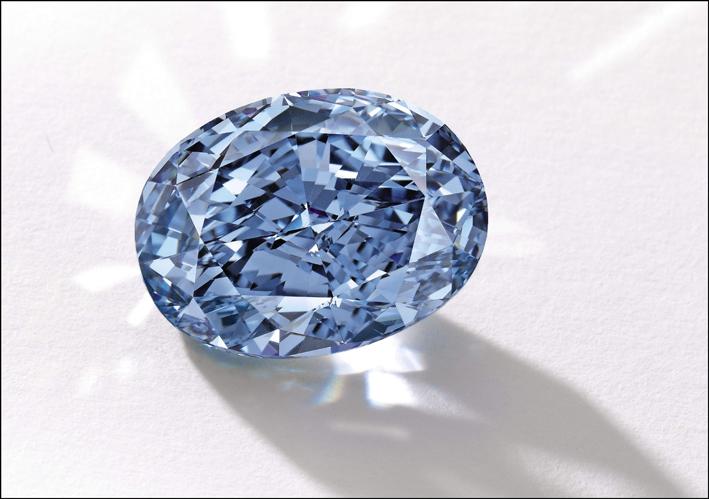 Il De Beers Millennium, diamante ovale di 10.10 carati Fancy Vivid Blue