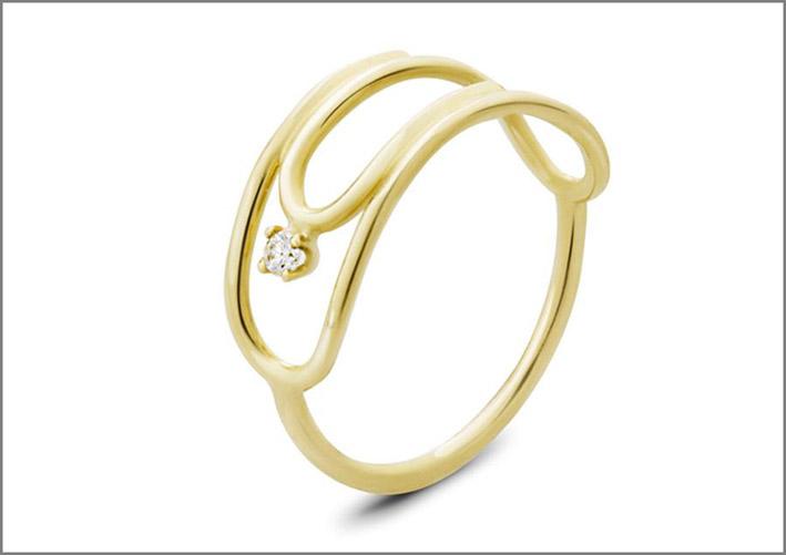 Anello a forma di graffetta in oro 14 carati e diamante