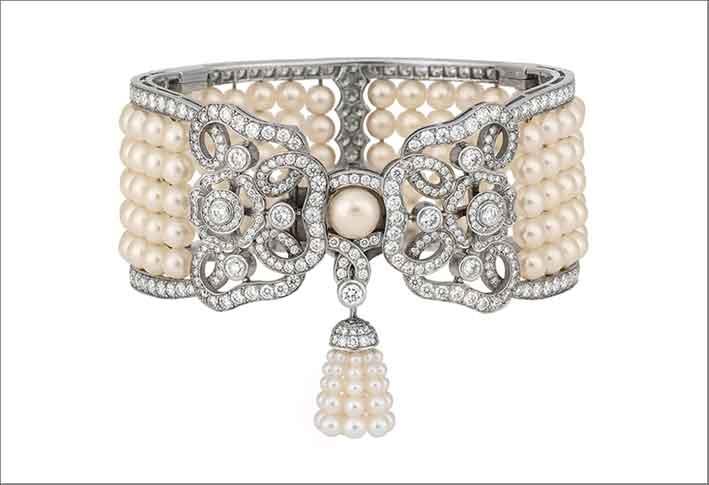 Bracciale Tudor Rose, in oro bianco, diamanti e perle