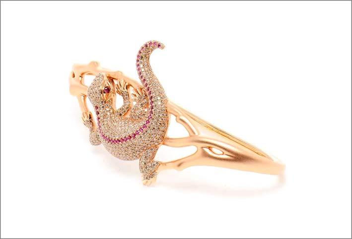 Gioiello da mano Salamander, in oro roa, diamanti, rubini