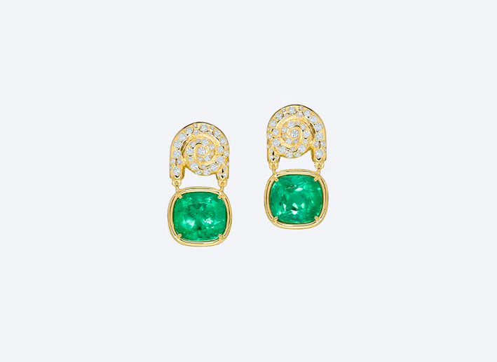 Orecchini in oro giallo con smeraldi e diamanti
