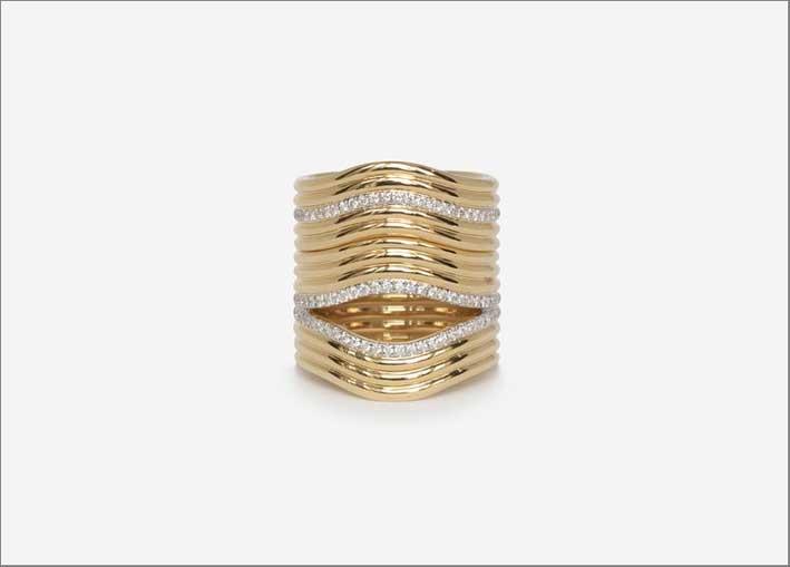 Anello Berceau in oro e diamanti, ispirato alla forma della culla