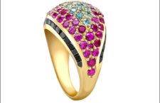 Anello con diamanti neri, zaffiri rosa e acquamarine