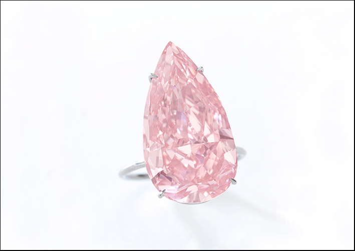 The Unique Pink: diamante di 15,38 carati taglio a pera. Stima: 28-38 milioni di dollari