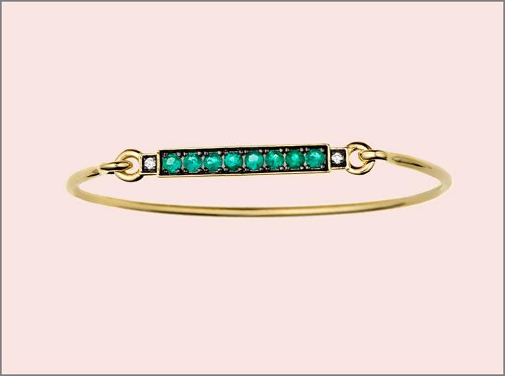 Braccialetto con smeraldi e diamanti. Prezzo: 3465 dollari