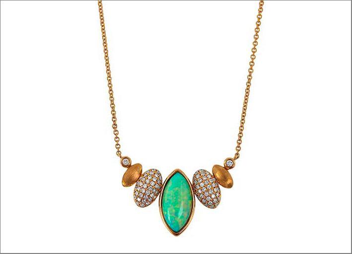 Collana con opale, diamanti, oro rosa