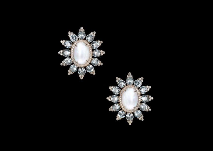 Opalicious Starburst, orecchini con opali, zirconi naturali e diamanti