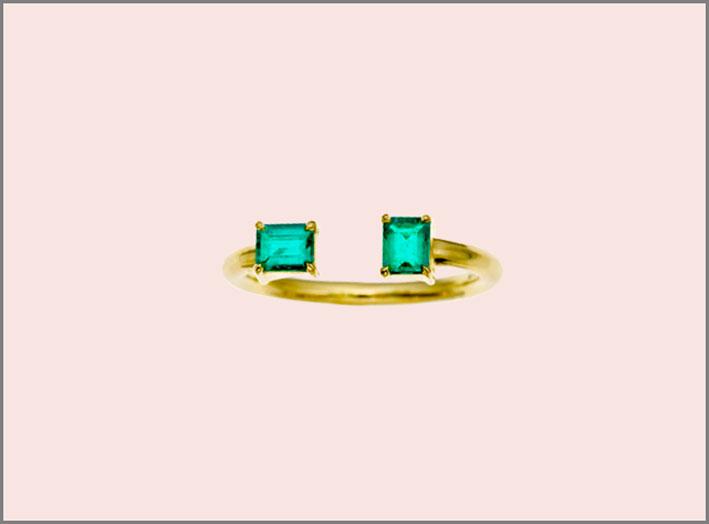 Anello in oro e smeraldi. Prezzo: 2625 dollari
