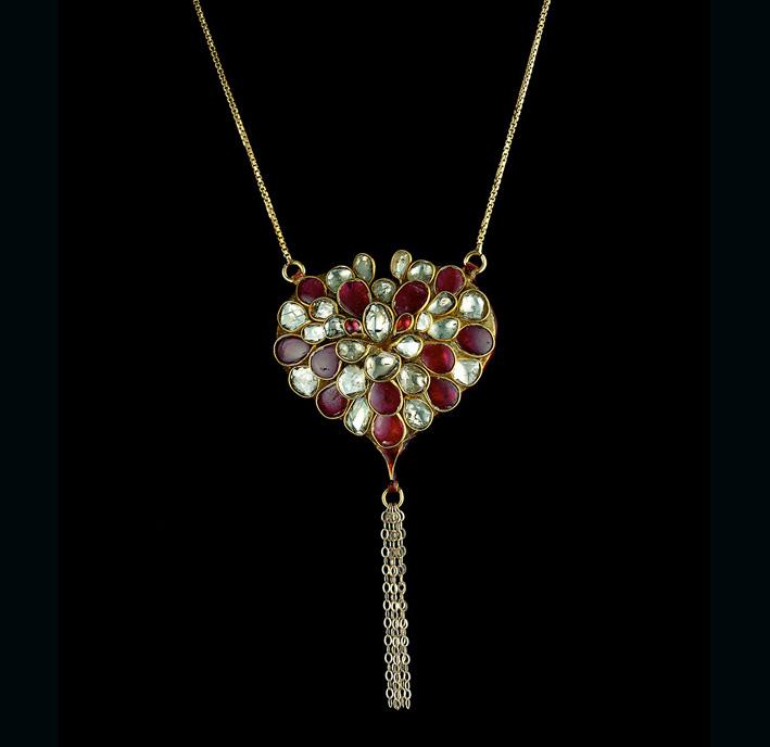 Pendente Kundan Heart, con rubini e diamanti
