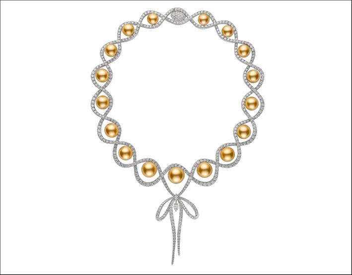 Collana in oro bianco, perle dorate e diamanti