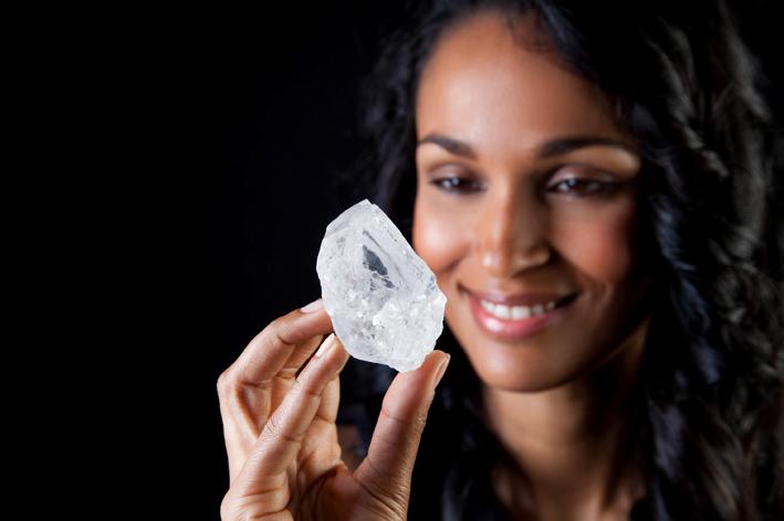 La stima di questo diamante grezzo è di 70 milioni di dollari