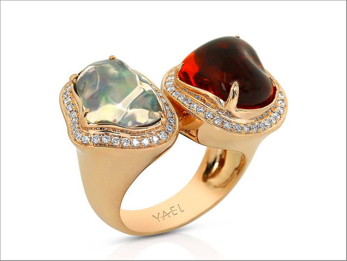 Anello moi et toi in oro rosa 18 carati con spinello, diamanti e opale