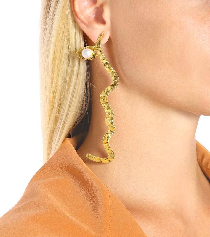 Orecchino in ottone bagnato oro 18 carati, perle