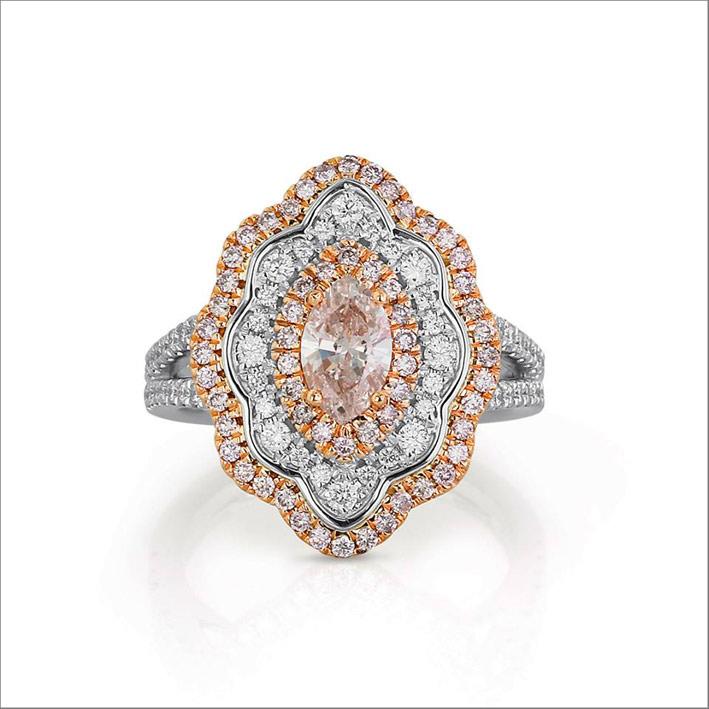 Anello con diamanti rosa e bianchi