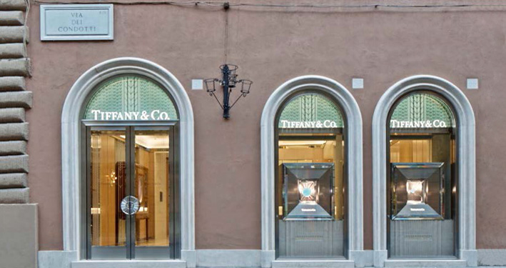 La boutique di Tiffany in via Condotti, a Roma