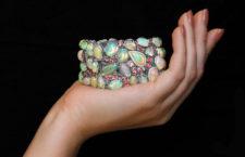 Yael Design, bracciale con opali, spinelli e diamanti