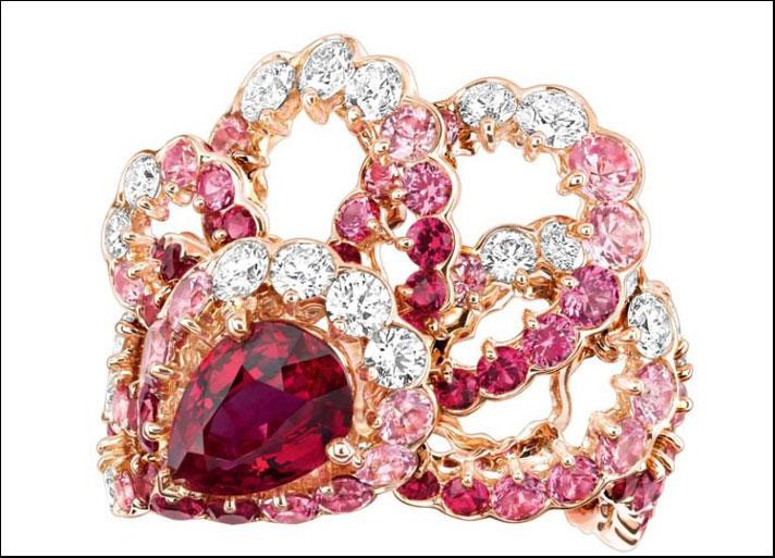 Archi-Dior in edizione limitata: Milieu du Siècle, anello in oro rosa con rubini, zaffiri rosa e diamanti bianchi