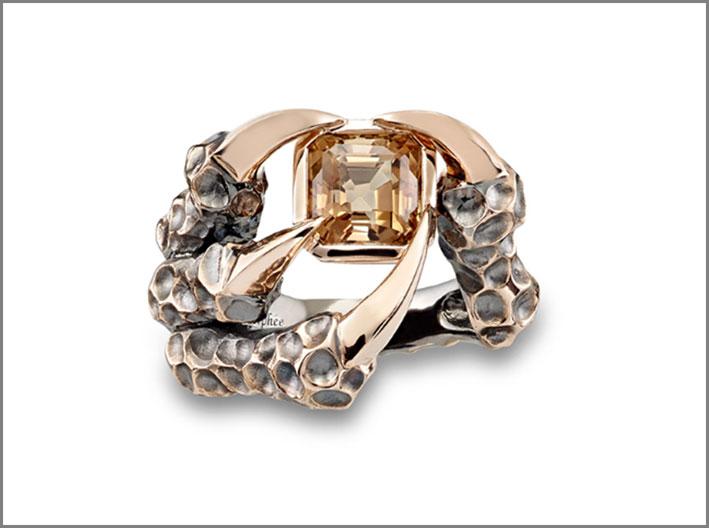 Anello Il drago di giada, oro rosa 18 carati, tormalina champagne