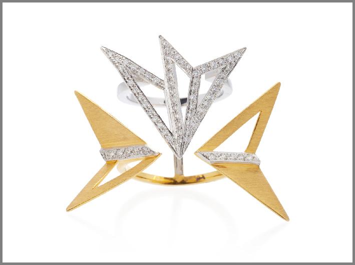 Anello della collezione Origami, floating panels, in oro giallo e bianco, diamanti