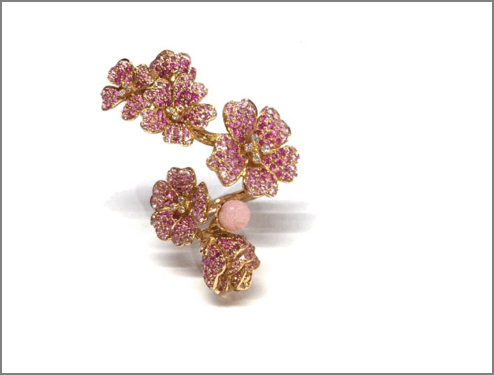 Anello Blossom ring in oro rosa, zaffiri, diamanti, opale rosa