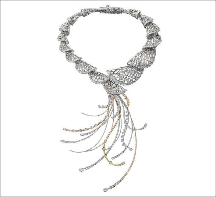 Collana in platino di Kuwayama