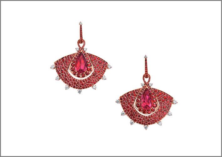VanLeles, orecchini con rubellite e rubini del Mozambico, diamanti