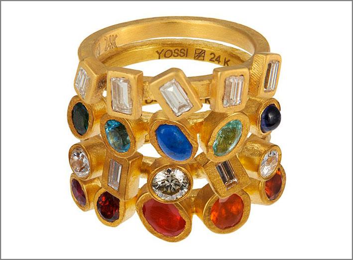 Anello a strati con diamanti, tormalina paraiba, zaffiri, granati, topazi, opale, citrino