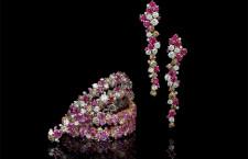Orecchini e anello con diamanti e rubini
