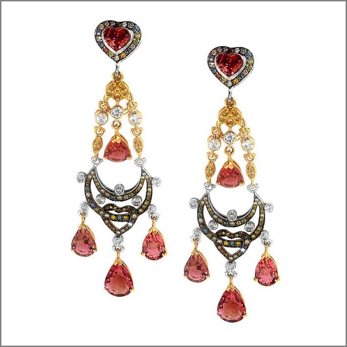 Orecchini chandelier con tormalina rosa, zaffiri, diamanti